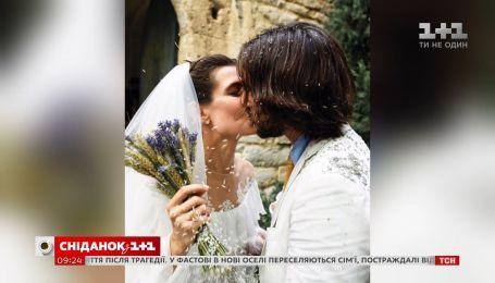 Княжеская внучка Шарлотта Казираги рассекретила собственное венчание в инстаграме