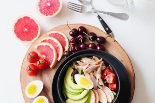 Замер ладонями: диетолог объяснила, какой должна быть разовая порция еды
