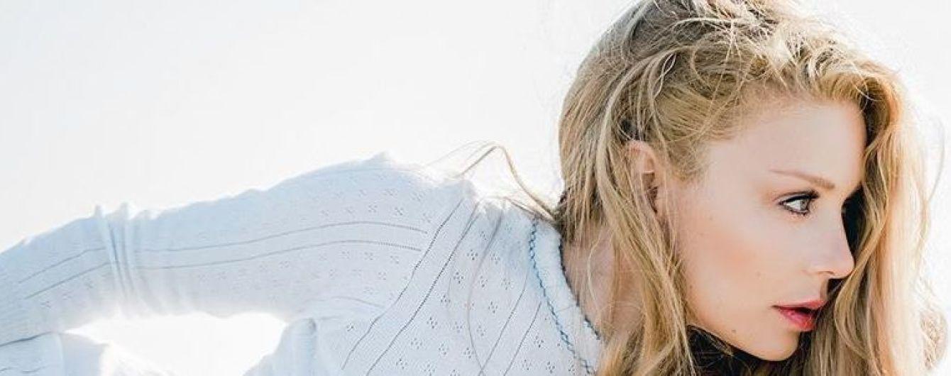 Такой мы ее еще не видели: сексуальная Тина Кароль в мини-шортах снялась в пикантном фотосете
