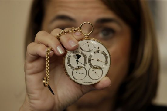 На аукціоні Sotheby's продали кишеньковий годинник за рекордні 4,5 мільйона доларів