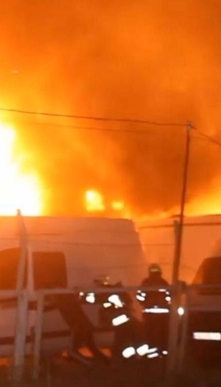 В Днепре ночью дотла выгорела станция шиномонтажа