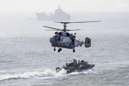 РФ розпочала масштабні військові навчання в Чорному морі