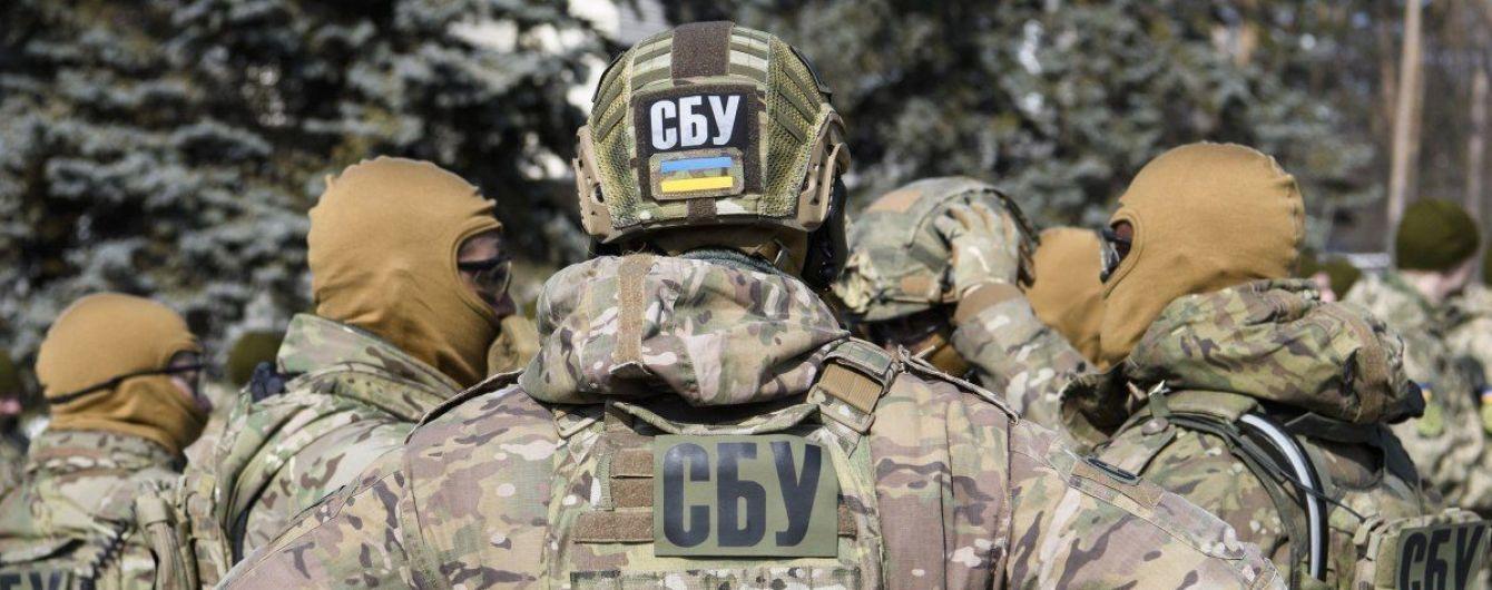 """В Украине задержали мошенников, которые """"продавали"""" должности председателей ОГА по 1 млн долларов"""