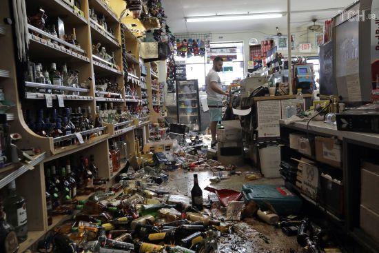 Підземні поштовхи щохвилини, місцеві жителі – без сну. У Каліфорнії через сильні землетруси оголосили НС