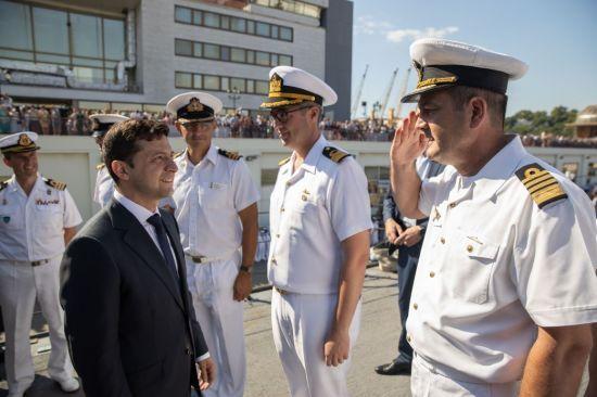 Зеленський розповів про майбутнє ВМС України і як працює над звільненням моряків