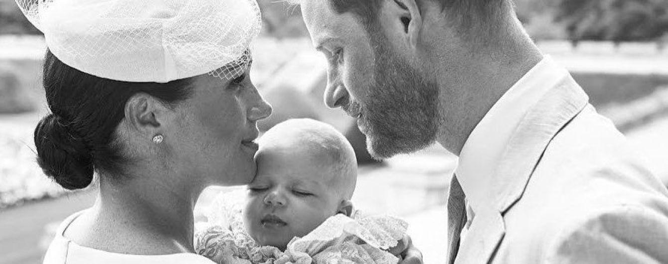 Герцогиня Сассекская и принц Гарри показали снимки с частной церемонии крещения своего сына Арчи