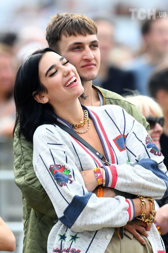 Співачка Дуа Ліпа підтвердила стосунки з братом Белли і Джіджі Хадід