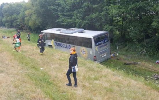 Унаслідок аварії автобуса з українцями в Польщі довелося госпіталізувати частину пасажирів