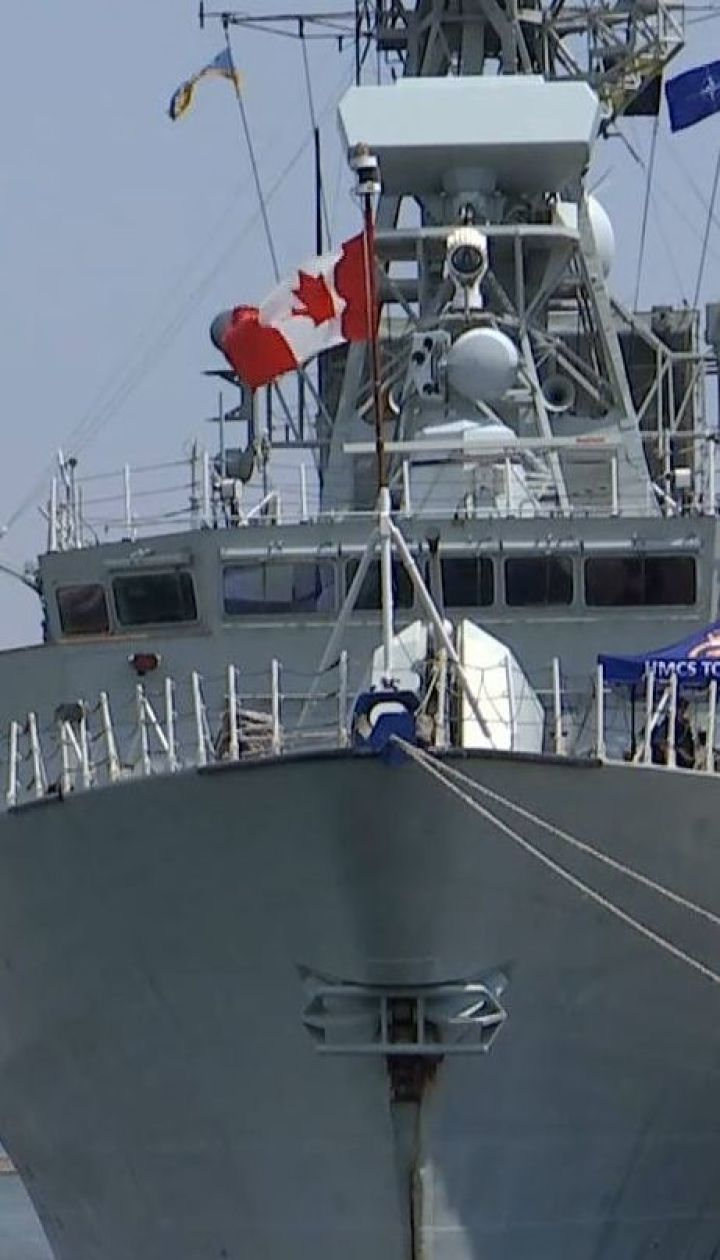 """Американские крылатые ракеты """"Томагавк"""" в порту Одессы под Потемкинской лестницей"""