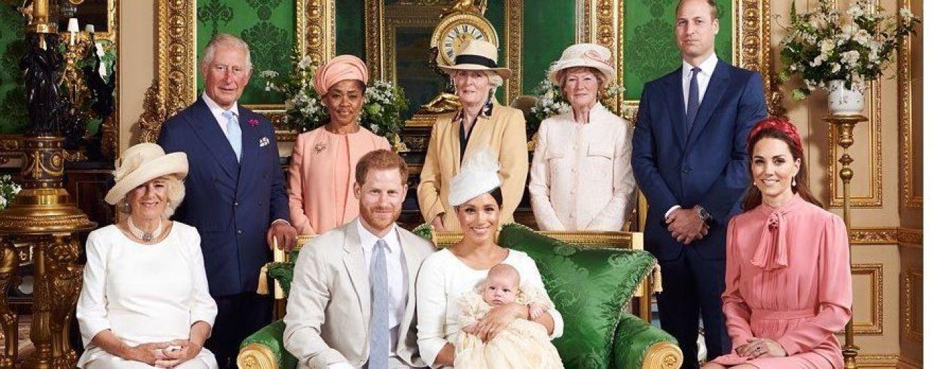 В платье Stella McCartney и особенных серьгах принцессы Дианы: образ герцогини Кембриджской на крещении бэби-Сассекского