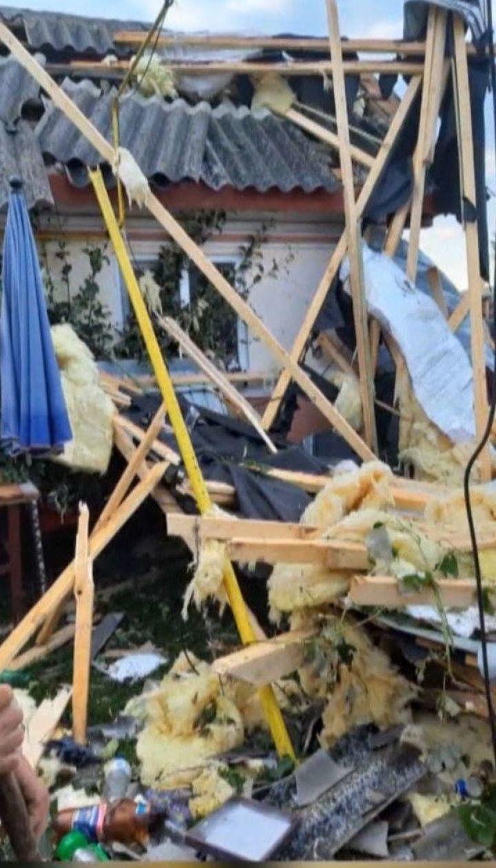 Ураганный вихрь разрушил дома в Румынии