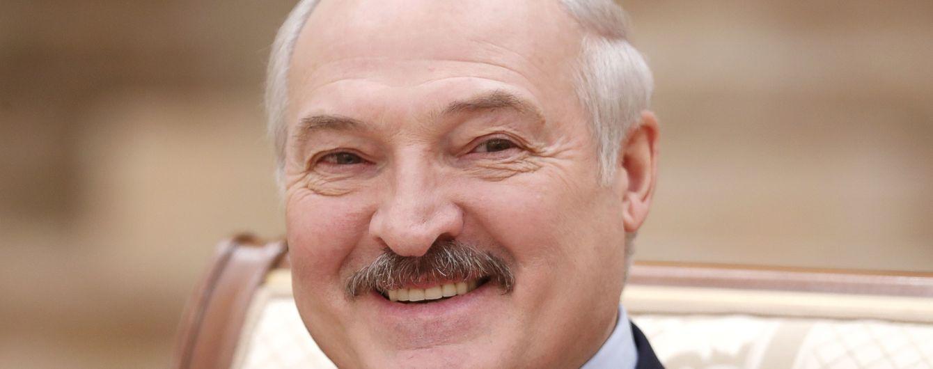 """Лукашенко назвав """"неправильним"""" приєднання Криму до України"""