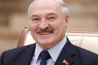 Зеленський телефоном поговорив з Лукашенком: про що спілкувалися