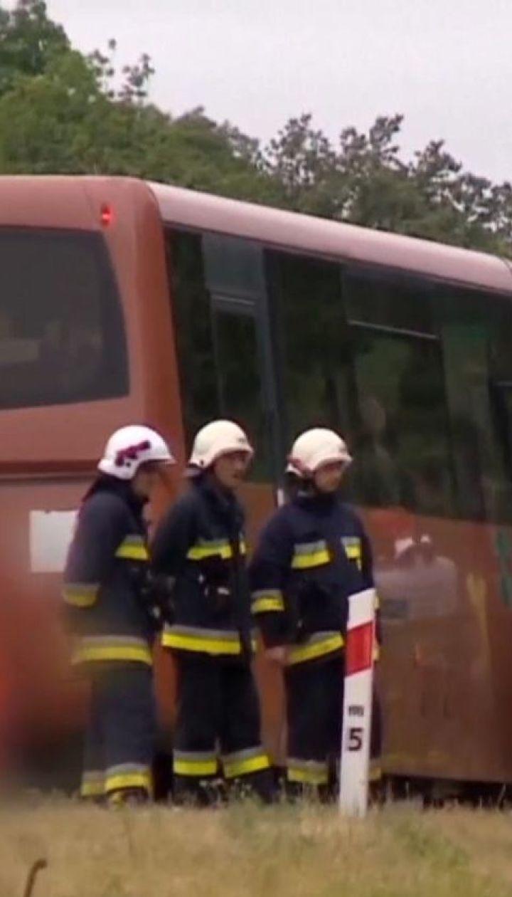 В Польше перевернулся украинский автобус, 15 человек пострадали