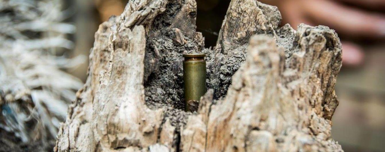 Біля українських позицій на Приазов'ї сапери зняли протипіхотні міни з російським маркуванням