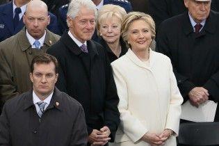 """Клинтон открестился от """"приятеля""""-миллиардера, которого обвинили в сексуальных контактах с несовершеннолетними"""