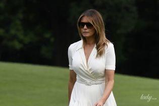 В белом платье и на шпильках: Мелания Трамп в нежном аутфите вышла в свет