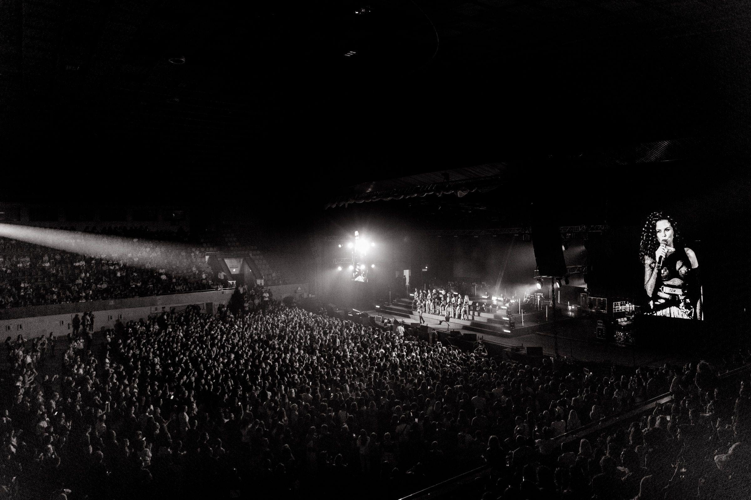 Настя Каменських на концерті Maluma_1