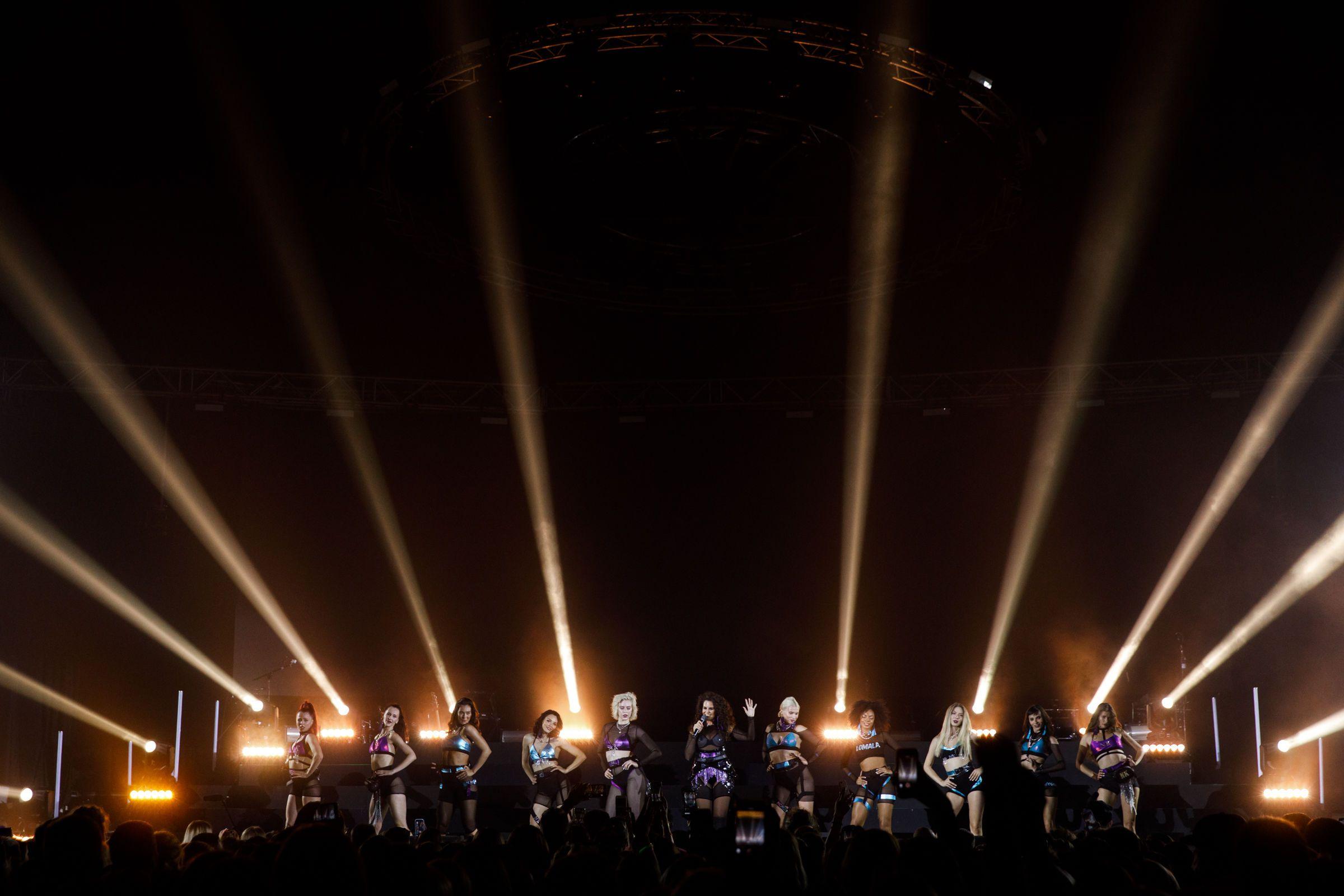 Настя Каменських на концерті Maluma_2