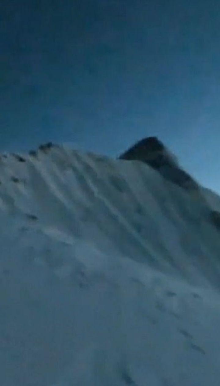 Последние часы жизни погибших альпинистов в Гималаях сняла найденная камера