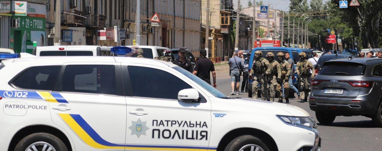 Одессита, который захватил заложников в финучреждении, отправили в СИЗО на два месяца