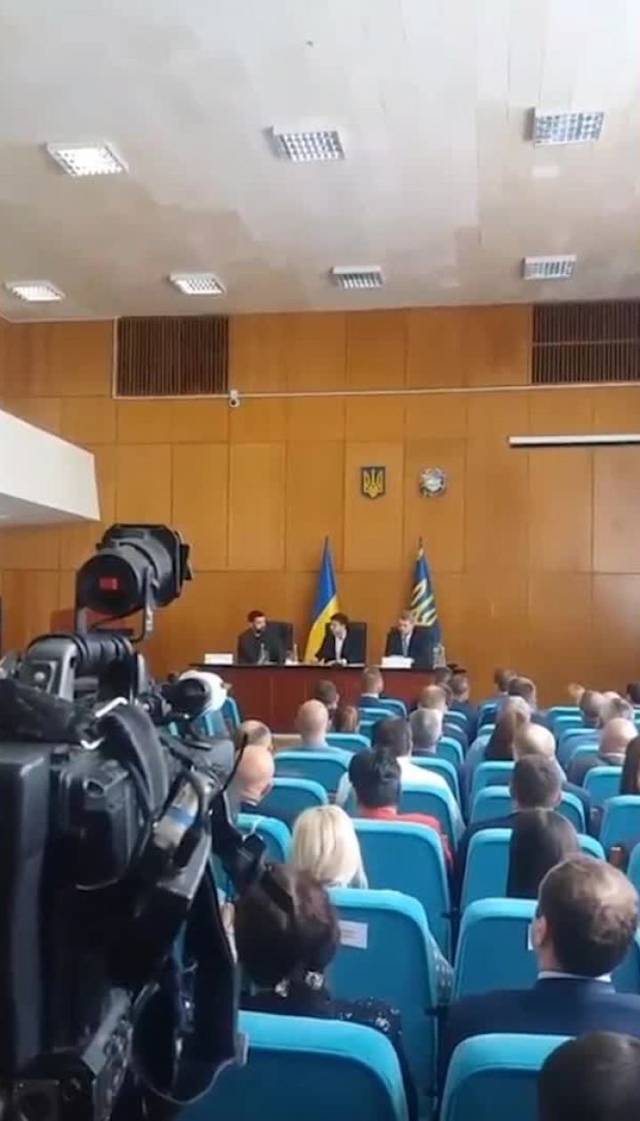 Зеленский выгнал секретаря городского совета Борисполя со встречи