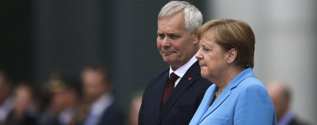 Меркель втретє за місяць раптово затрясло під час офіційної зустрічі