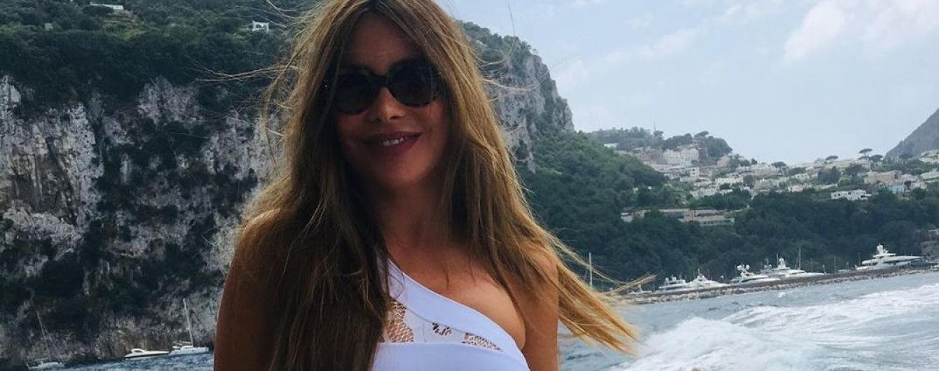 Вот это фигура: София Вергара поделилась снимками со своих итальянских каникул