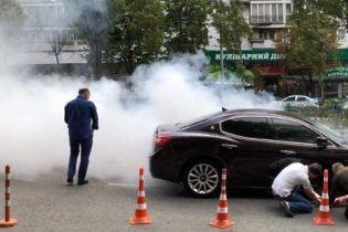 В центре Киева загорелся элитный Maserati