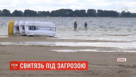 Врятувати Світязь: найбільше озеро України катастрофічно обміліло