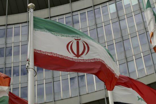 """Іранські журналісти почали звільнятися через """"13 років брехні"""""""