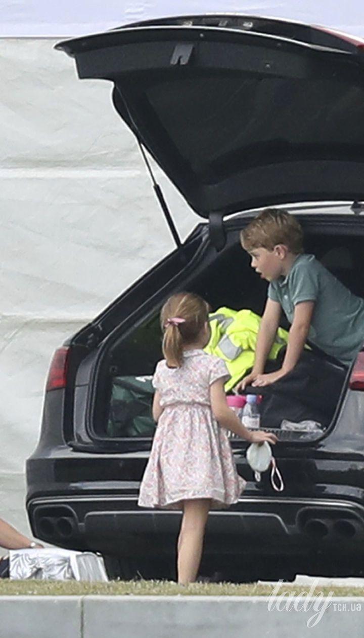 Герцогиня Кембриджська з дітьми
