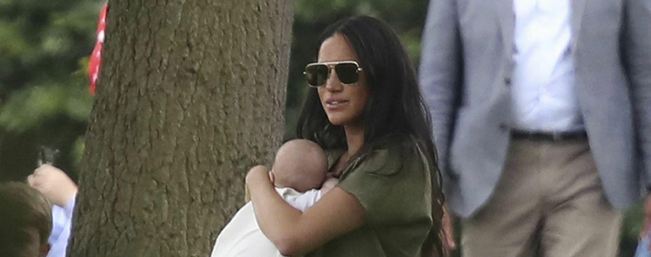 Меган и Гарри впервые в истории королевской семьи приняли на работу темнокожую няню - СМИ