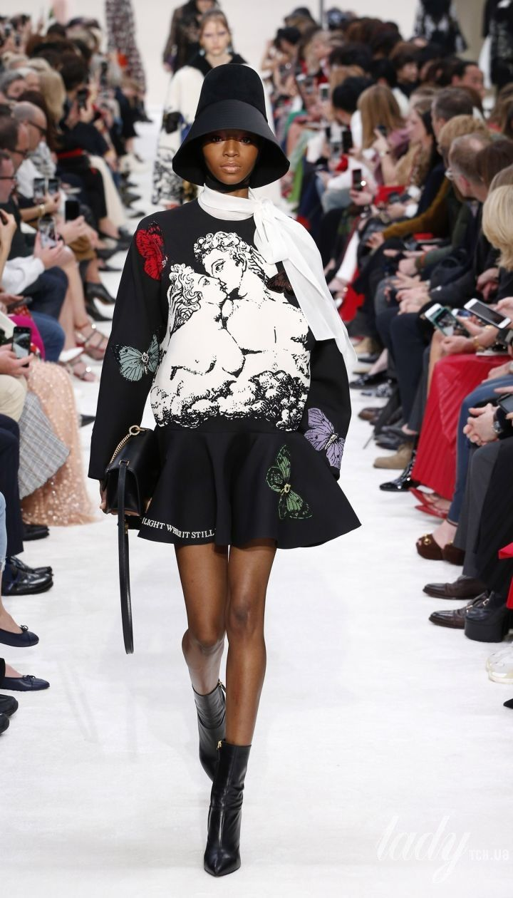 Колекція Valentino прет-а-порте сезону осінь-зима 2019-2020 @ East News