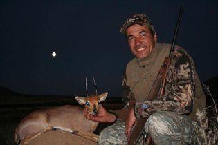 Жорстоке сафарі: у Мережі обурені полюванням на великих тварин в Африці кандидатом від партії Медведчука