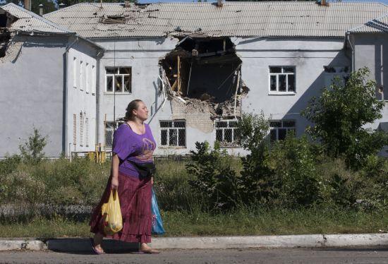 Голова Луганської ОДА пояснив, чим погана економічна блокада ОРДЛО
