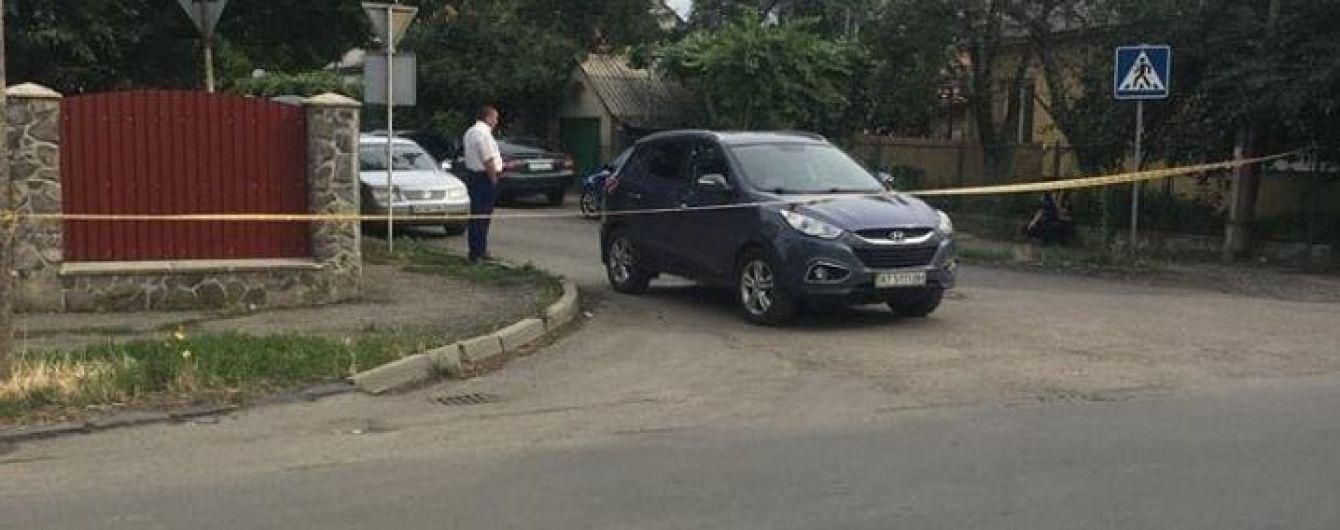 На Закарпатті обстріляли автомобіль офіцера поліції