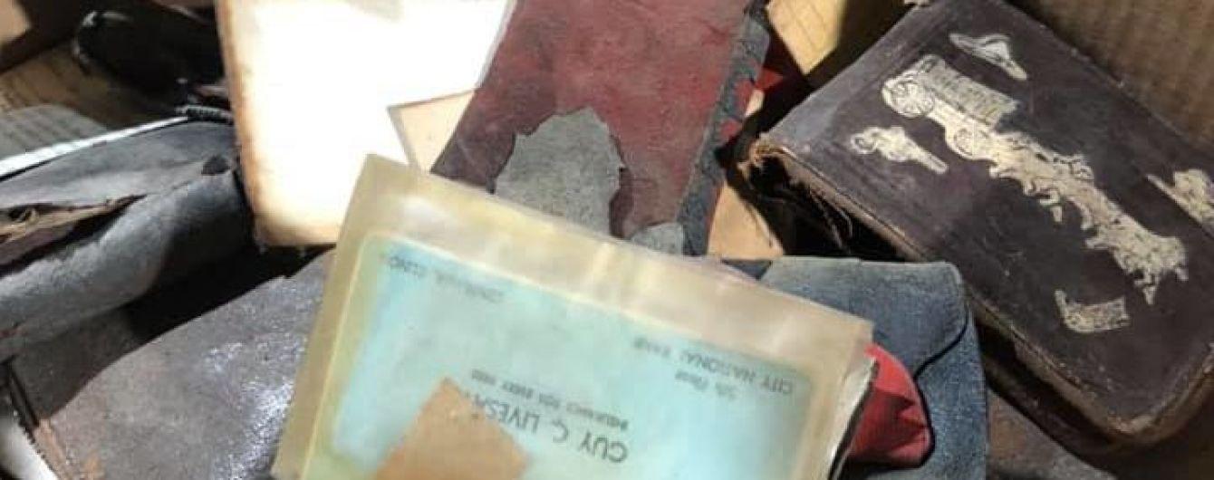 У США 89-річній жінці повернули вкрадений у молодості гаманець