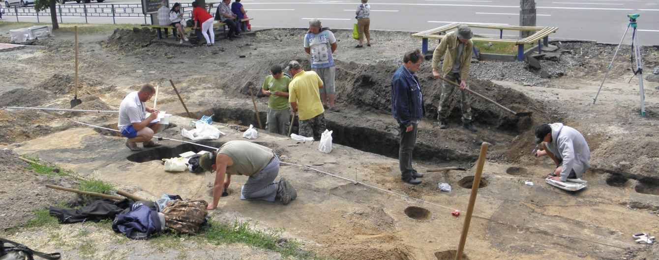 В центре Чернигова нашли захоронение ребенка 12 века