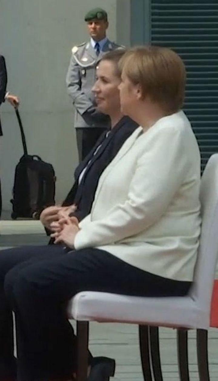 Ангела Меркель слухала державний гімн сидячи на тлі проблем зі здоров'ям