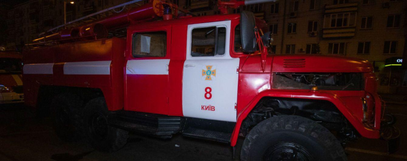 В Киеве возле Atlas Weekend горела постройка