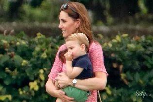 Меган критикують, а Кетрін захоплюються: у Мережі обговорюють герцогинь Сассекську і Кембриджську з дітьми