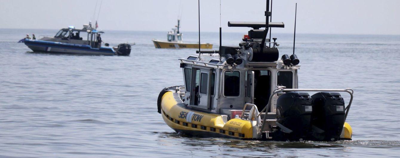 Береговая охрана США взяла на абордаж субмарину с 7 тоннами наркотиков. В Сети опубликовали видео