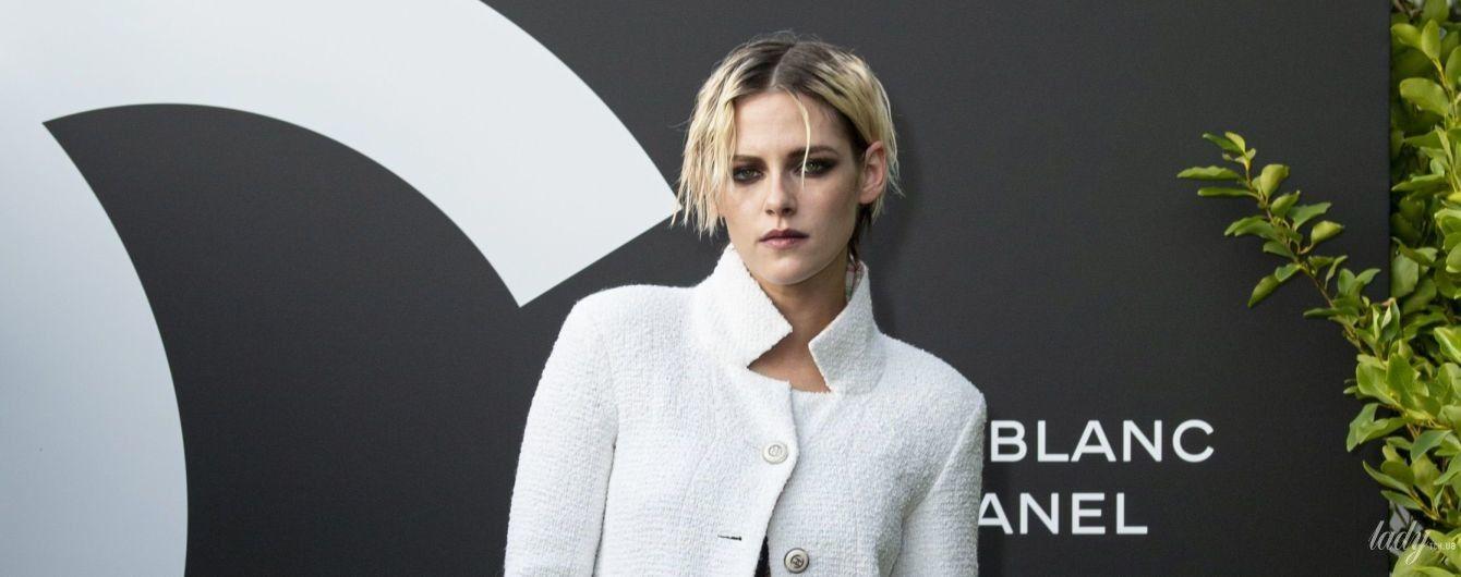 Любить Chanel і не любить підбори: стильний вихід Крістен Стюарт на заході бренду в Парижі