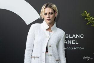 Любит Chanel и не любит каблуки: стильный выход Кристен Стюарт на мероприятии бренда в Париже