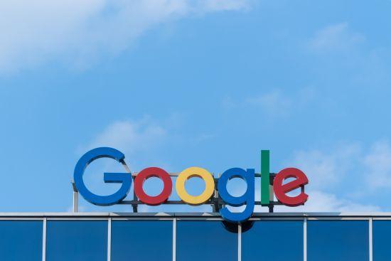 Взяти під контроль свої дані: смартфон-стартапи кинули виклик Google та Apple