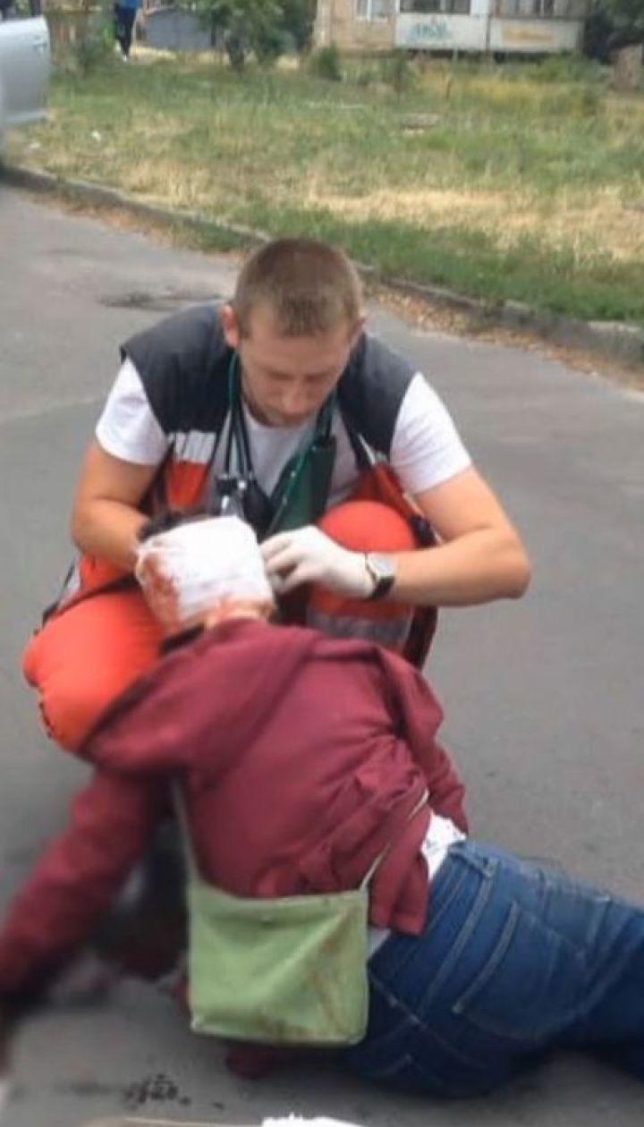 Велосипедист сбил 69-летнюю киевлянку и оставил ее истекать кровью