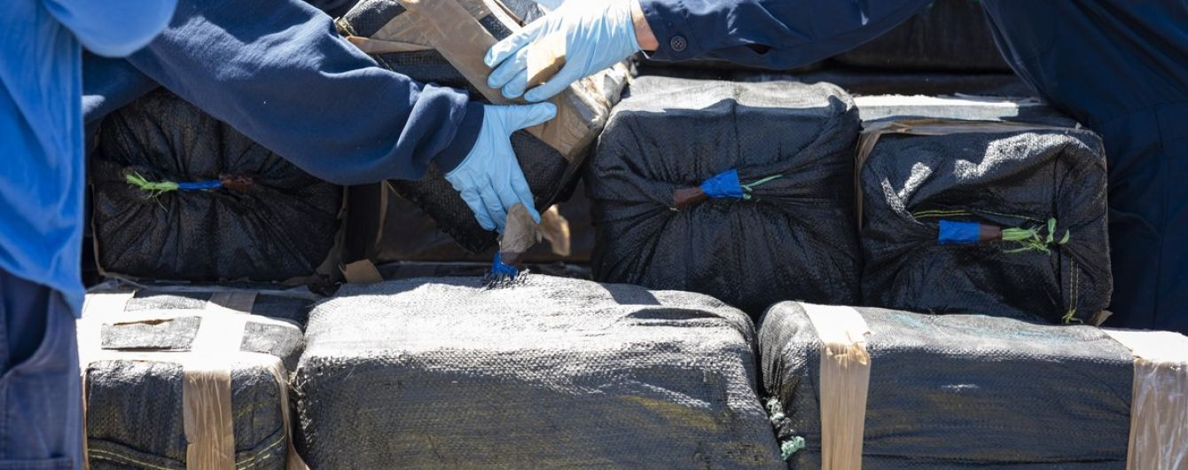 Суд во Франции приговорил украинских моряков, которые перевозили наркотики