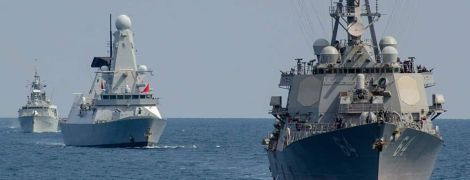 """Навчання """"Сі Бриз"""": військові влаштували в Чорному морі парад кораблів"""