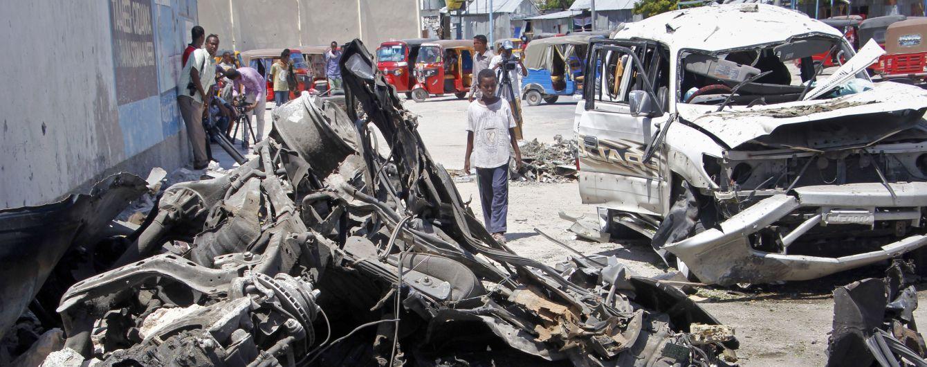 У Сомалі бойовики захопили готель, влада повідомляє про багатьох загиблих